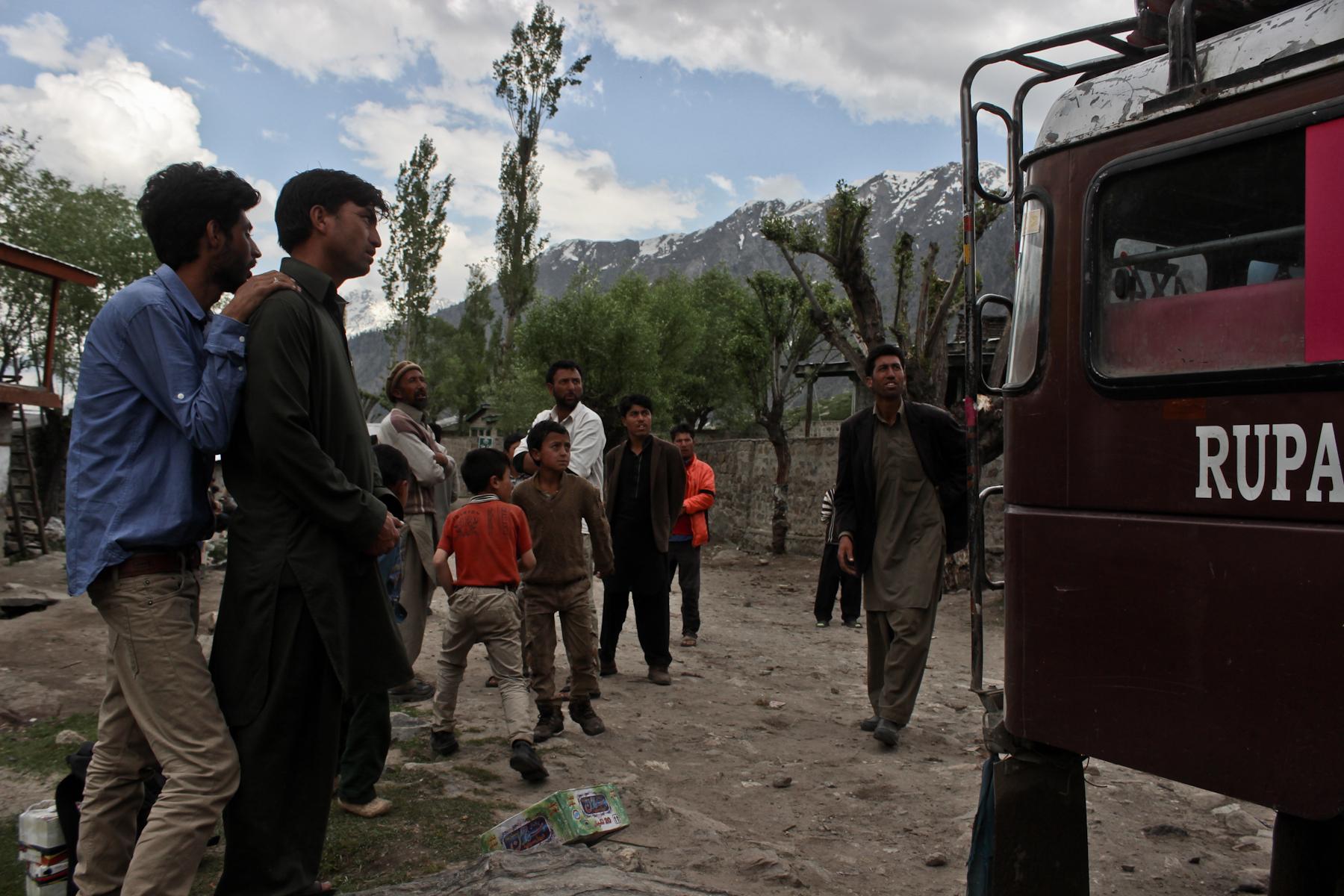 Wspomniana wioska która ucierpiała na ataku talibów.